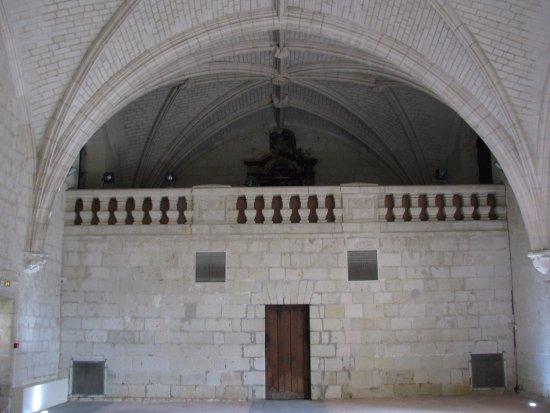Fontevraud-l'Abbaye, Francia: une des grandes salles