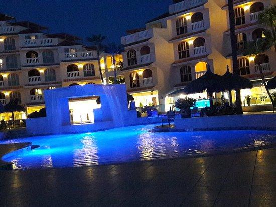 Playa Linda Beach Resort: 20171104_184046_large.jpg
