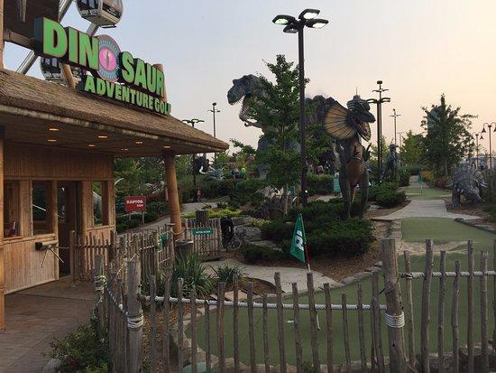Dinosaur Adventure Golf: Dinosaurs Adventure Golf Niagara
