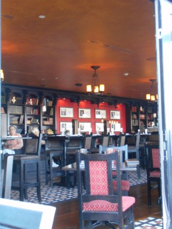 Paddy's Irish Pub and Restaurant: Inside the pub