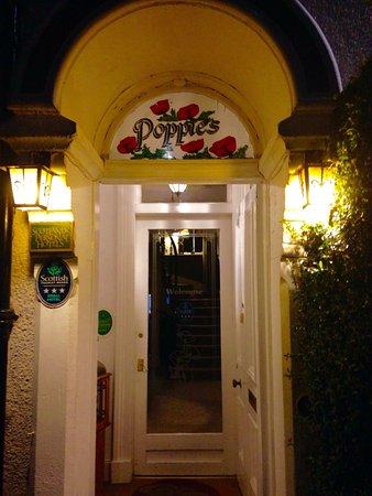 Poppies Hotel & Restaurant : photo1.jpg