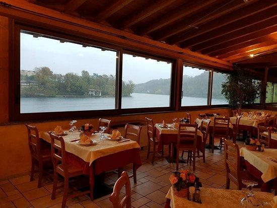 Varallo Pombia, Italien: Vista parziale della sala