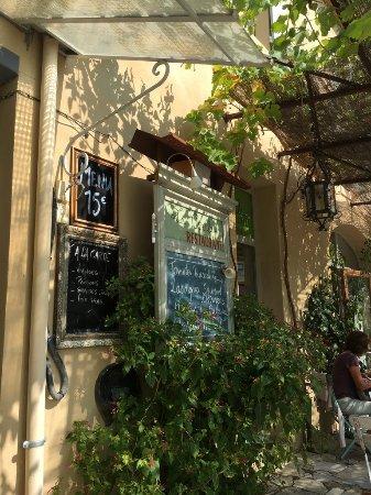 Rousset-les-Vignes, Francia: Le Cercle, Café Restaurant, Rousset Les Vignes