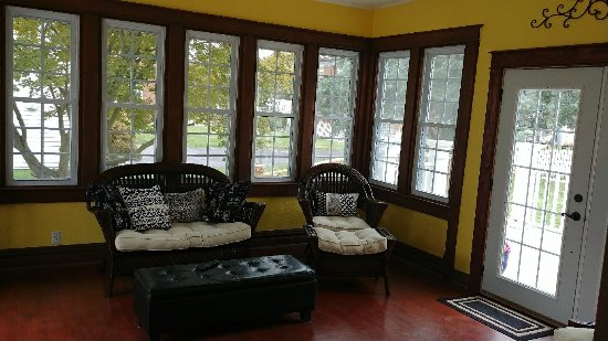Robinson, IL: The Cobalt House