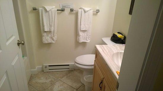 Lubec, ME: Adequate bathroom