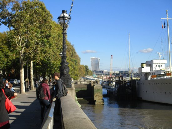 Victoria Embankment Picture Of Victoria Embankment London