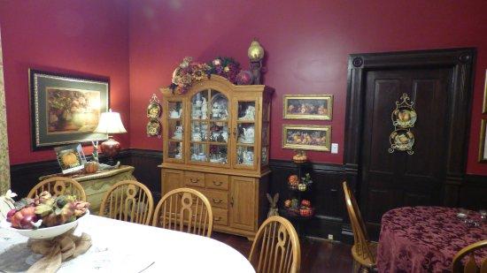 Columbia, AL : Harrison Dining Room