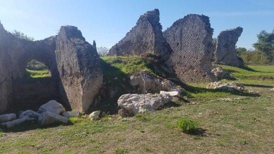 Aquinum Sito Archeologico: New Aquinum site being dug
