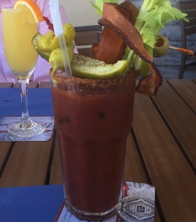 Blu' Island Bistro : Bloody Mary with the Works...