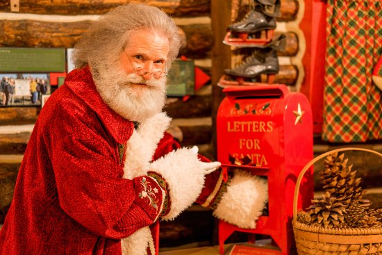 Skyforest, แคลิฟอร์เนีย: Santa is happy to receive all of your letters!