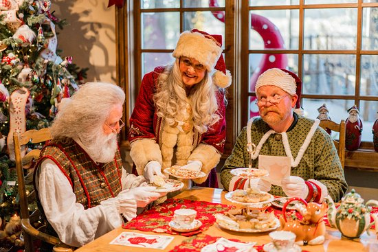 Skyforest, แคลิฟอร์เนีย: Add a little more magic to your experience with having High Tea with Mrs. Claus!
