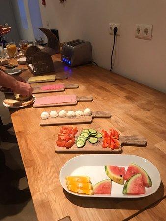 Budardalur, Island: Frukost