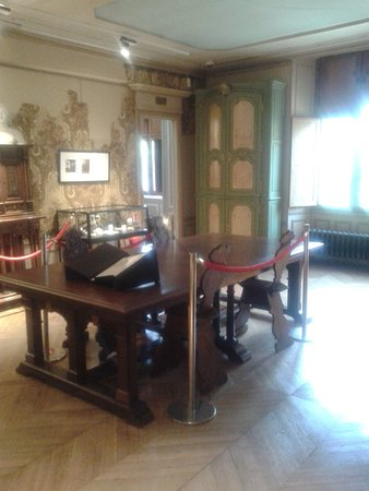 Dourdan Chateau - Museum. A partial view of one of the rooms.