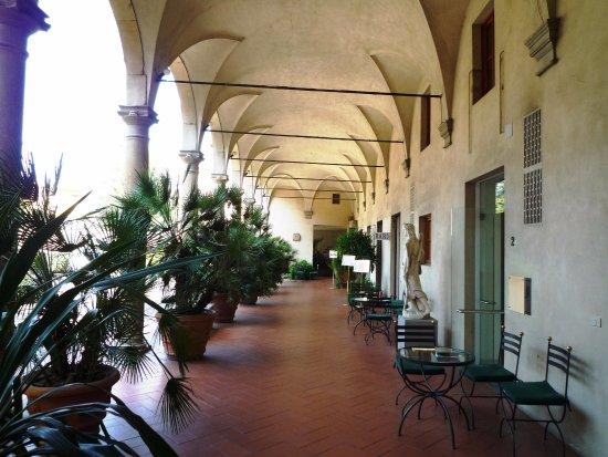 Palazzo Ricasoli Residence: pasillos interiores/acceso a comedor y recepción