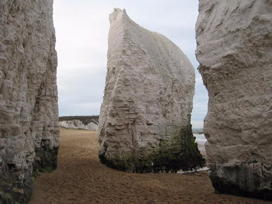 Kingsgate, UK: Botany Bay beach 5 minutes walk from hotel.