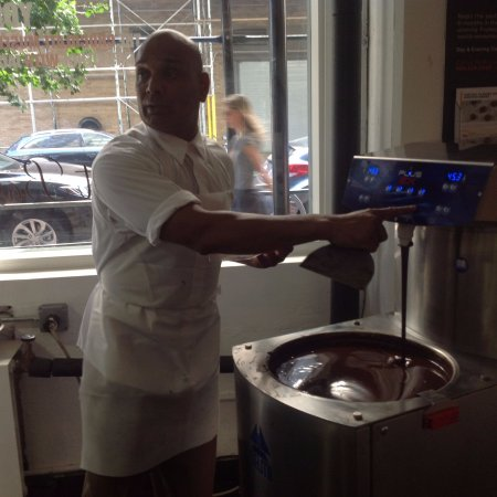 The Chocolate Museum & Experience with Jacques Torres: Chocolate demonstration