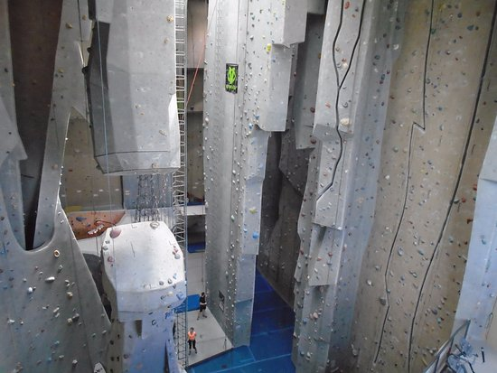 New Bedford, MA: Carabiner's Climbing and Fitness- Climbing Gym