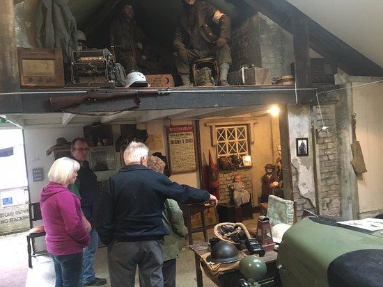 Laugharne, UK: Nice displays showing WW2 life