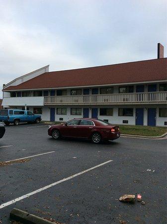 Motel 6 Charlotte NC Airport: photo0.jpg