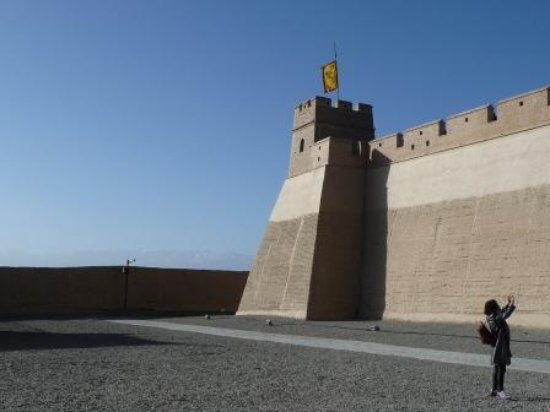 Jiayuguan fort, at the edge of the Gobi