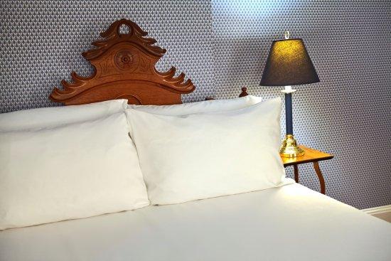 Ludlow, VT: Queen bedroom of Taylor Suite