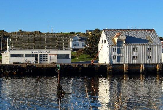 Bud, นอร์เวย์: Fiskevaeret Bjornsund
