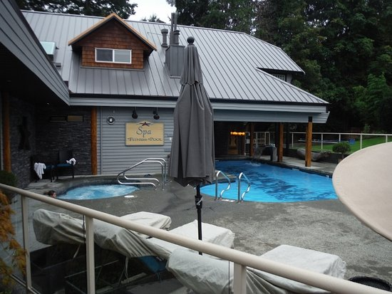 Courtenay, Canadá: Kingfisher SPA Hottub and Pool