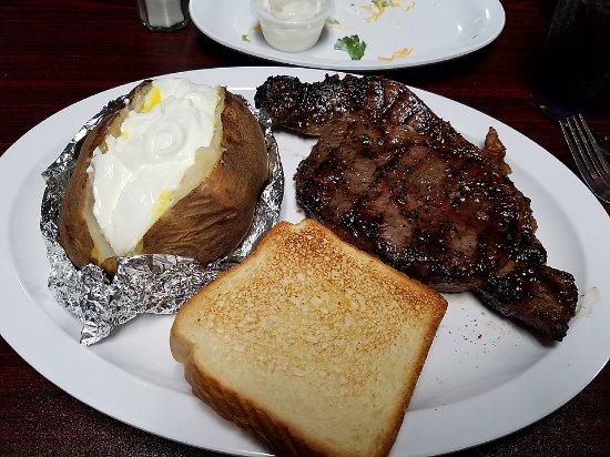 Outlaw Bar-B-Que: Ribeye steak