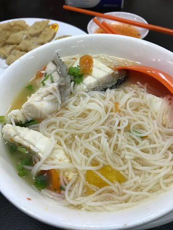Fish Soup Noodle Fucuk At The Back Picture Of Fatt Kee Seafood Restaurant Kota Kinabalu Tripadvisor
