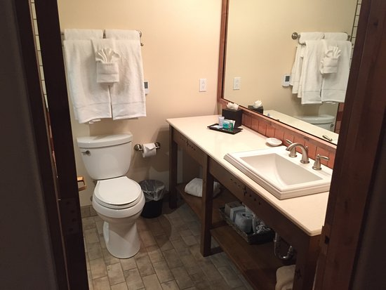 Old Santa Fe Inn: Bathroom