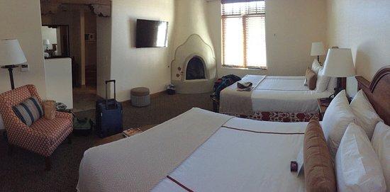 Old Santa Fe Inn: Our bedroom - delightful