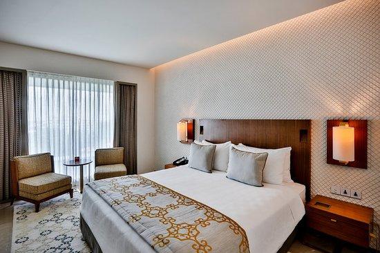 Club Room at Crowne Plaza Chennai Adyar Park