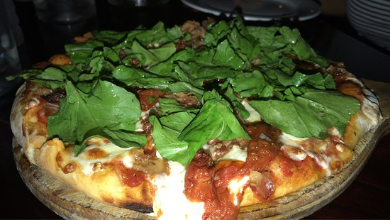 Guido's : Spectacular pizza!