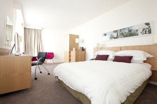 Hotel Doubletree Leeds Rooms Queen Room