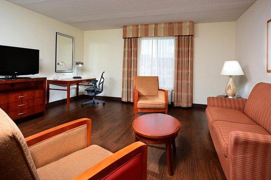Hilton Garden Inn Raleigh Triangle Town Center: Garden Suite