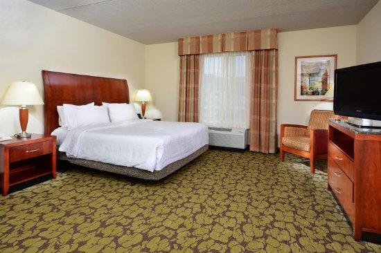Hilton Garden Inn Raleigh Triangle Town Center: King Garden Suite