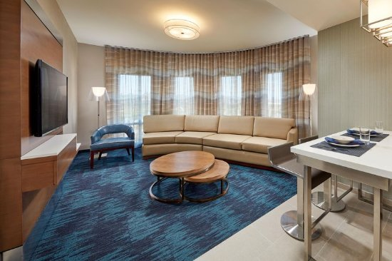 Homewood Suites By Hilton San Diego Hotel Circle/Sea World Area: Corner  Suite Living