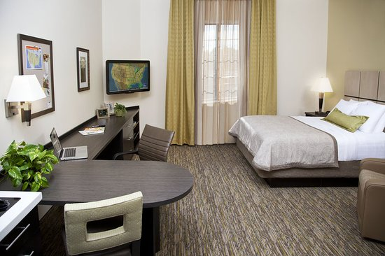 Candlewood Suites North Little Rock: Guest Room
