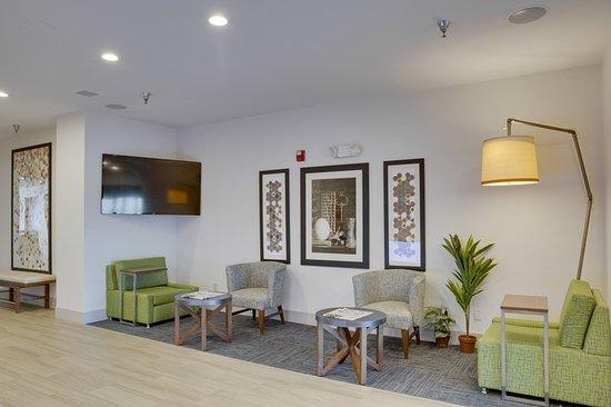 Bethany, OK: Lobby Lounge
