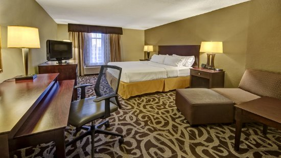 Holiday Inn Express Murfreesboro Central: 1 King Bed Guest Room at the Holiday Inn Express Murfreesboro