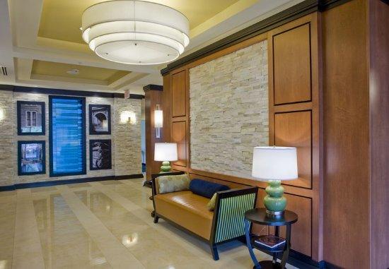 Fairfield Inn & Suites Columbus: Lobby