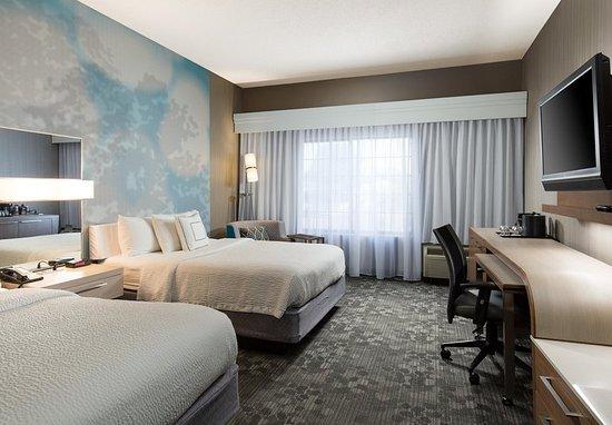 Blue Springs, MO: Queen/Queen Guest Room