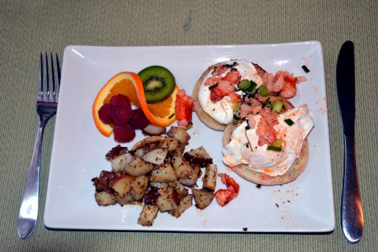 The Chadwick Bed & Breakfast: Eggs Benedict with lobster