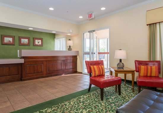 Independence, MO: Front Desk