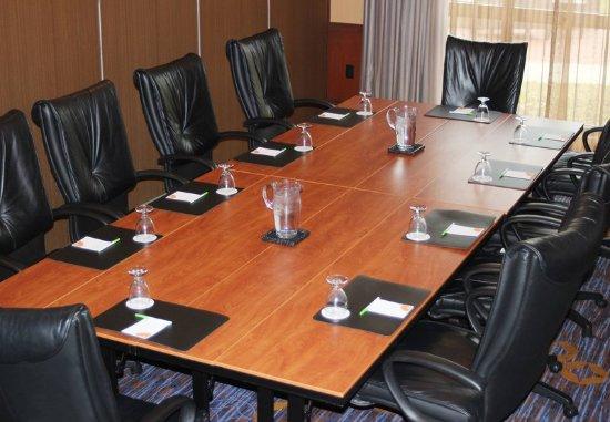 Courtyard Dayton-University of Dayton: Flyers Boardroom