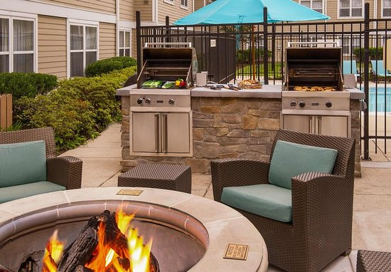 Ellicott City, Мэриленд: Outdoor BBQ Area