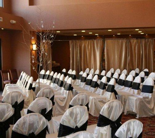 Hampton Inn & Suites Green River: Indoor Weddings