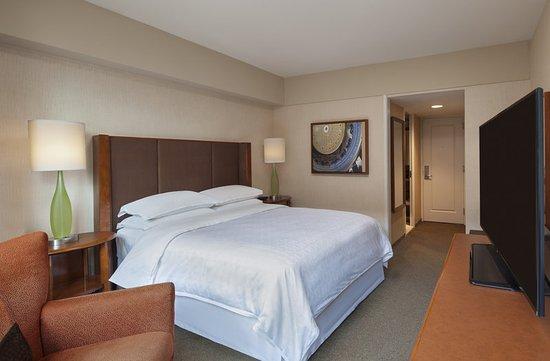 Sheraton Boston Hotel: North Tower Queen Bedroom