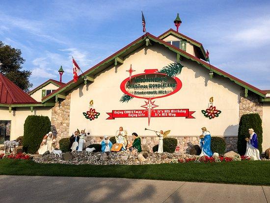 bronners christmas wonderland bronners where it is always christmas - Largest Christmas Store