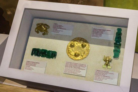 Poas Volcano National Park, Kosta Rika: Replica Jewelry in Museum
